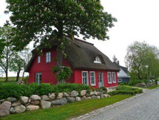 Når du køber hus, er det en god idé at få en ejerskifteforsikring.